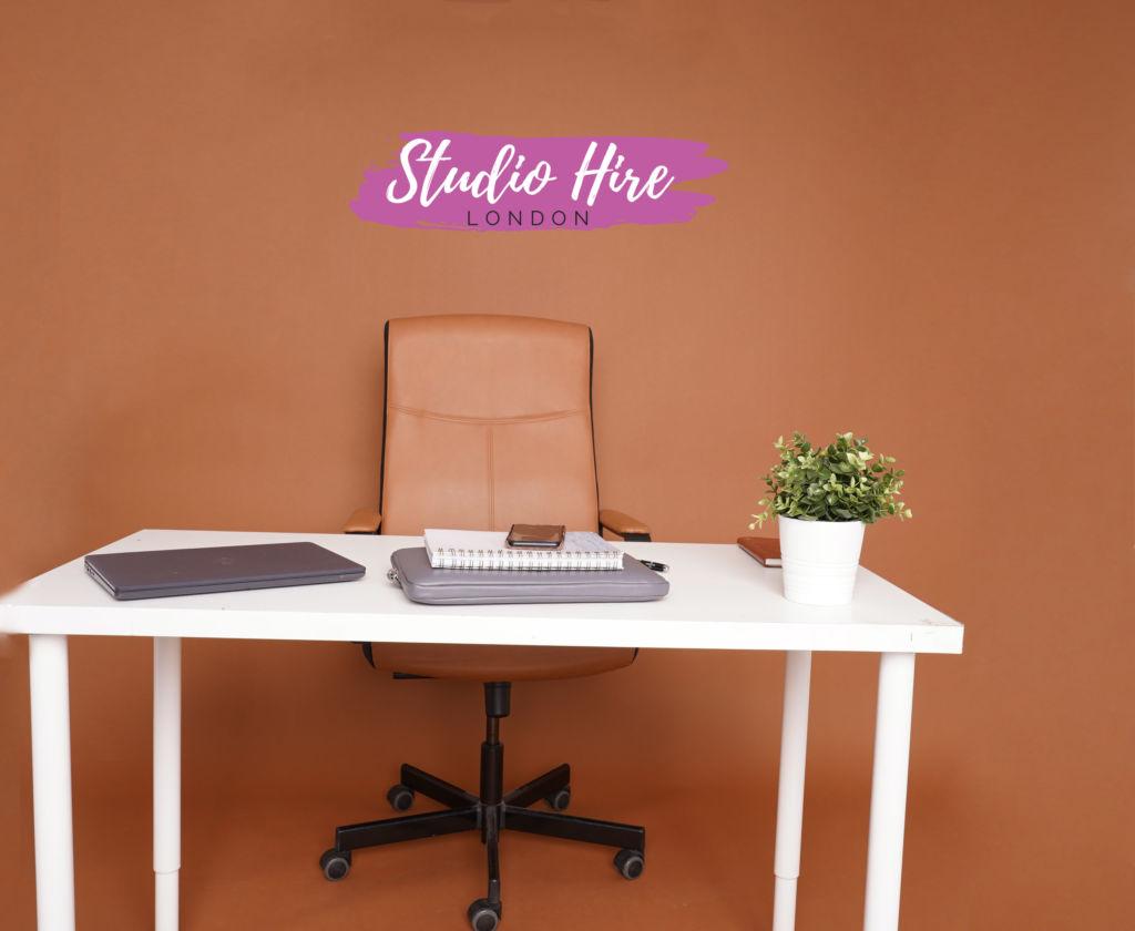 studio set desk